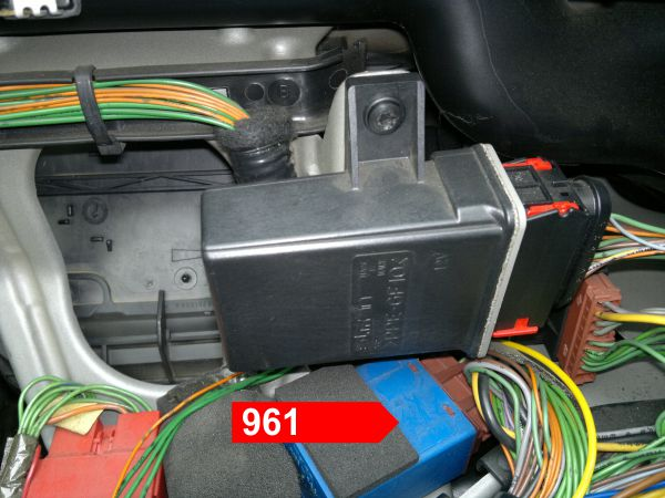 962 Windscreen Wiper Timer Remove The Lower Shroud Under Steering Column To Gain Access Mainboard This Unit Is Located On Bottom End Of: Citroen Bx Electrical Wiring Diagram At Mazhai.net